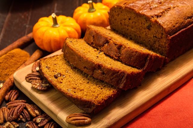 How to Make Spiced Pumpkin Bread