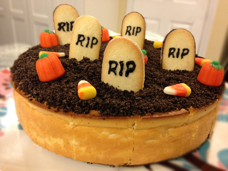 How to Decorate a Halloween Cheesecake