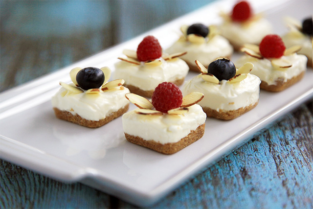 Patriotic No-Bake Cheesecake Bites