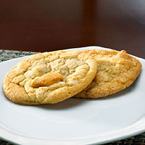 White Chocolate Macadamia – 32 Cookies