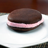 Strawberry - 12 Whoopie Pies (8904CC)